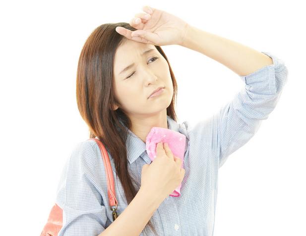 女性の顔汗対策