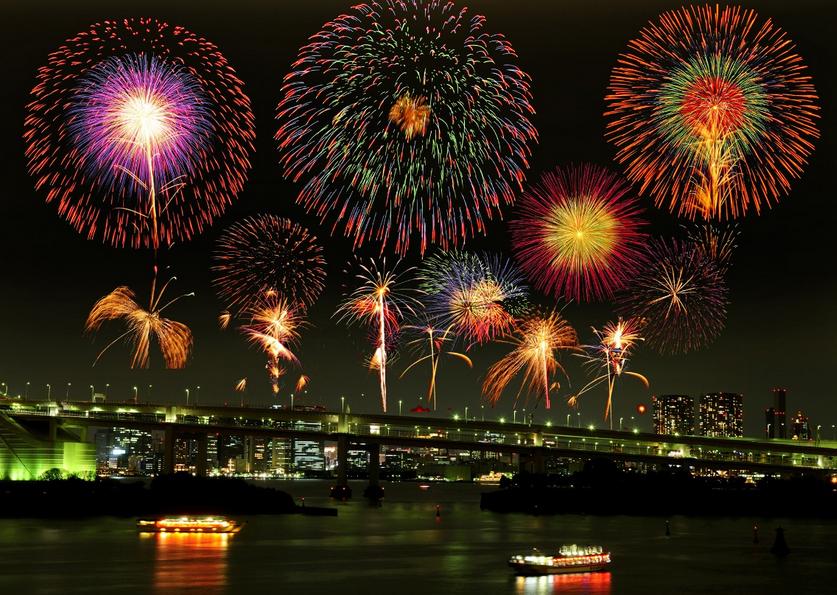 夜景がきれいな東京の花火大会