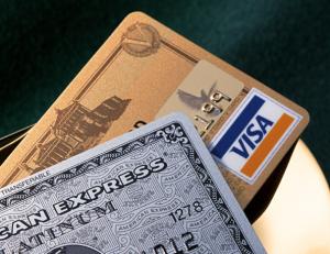 海外旅行でクレジットカード