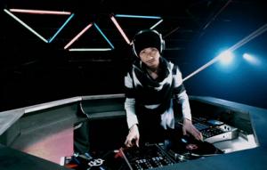 DJもこなす