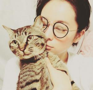 清野菜名と飼い猫