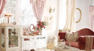 ロココ調の家具は姫系ファッションに合う