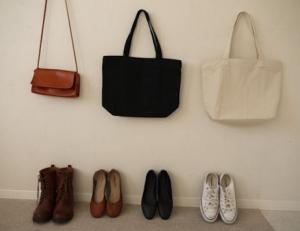 ミニマリストの靴やバッグ