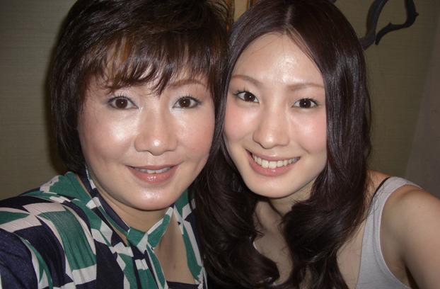 ソンミの母親とツーショット