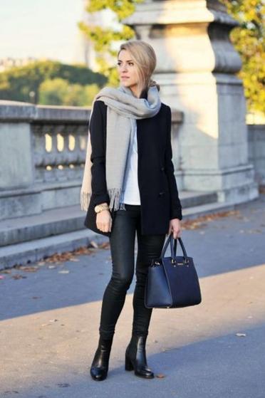 働く女性のファッション「フランス人」