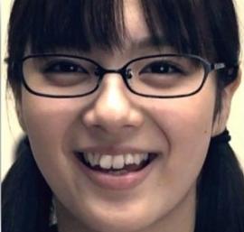 新川優愛の2008年の歯並び