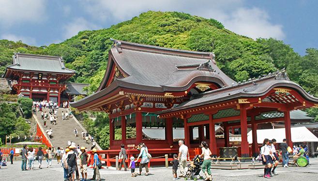 金運アップの神社、神奈川の鶴岡八幡宮